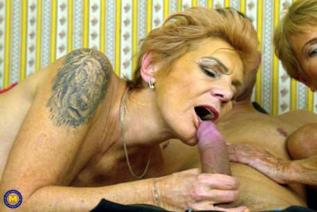 Two Mature Stepsisters Sucking And Fucking One Lucky Guy