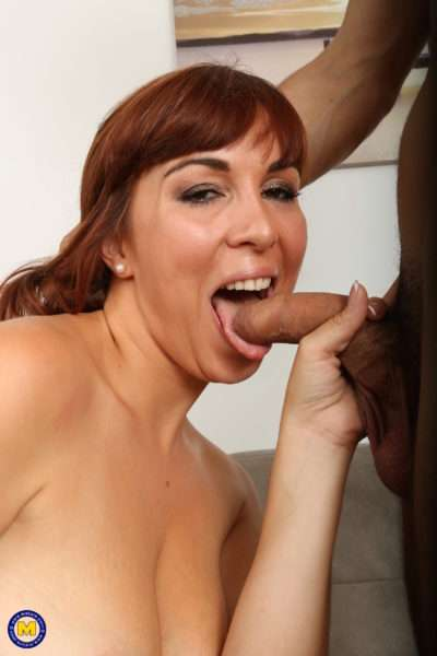 Hot Mom Fucking And Sucking Her Lovers Hard Cock