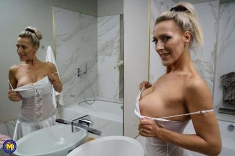 Big Breasted Milf Playing With Her Wet Pussy In Bed And In Bath