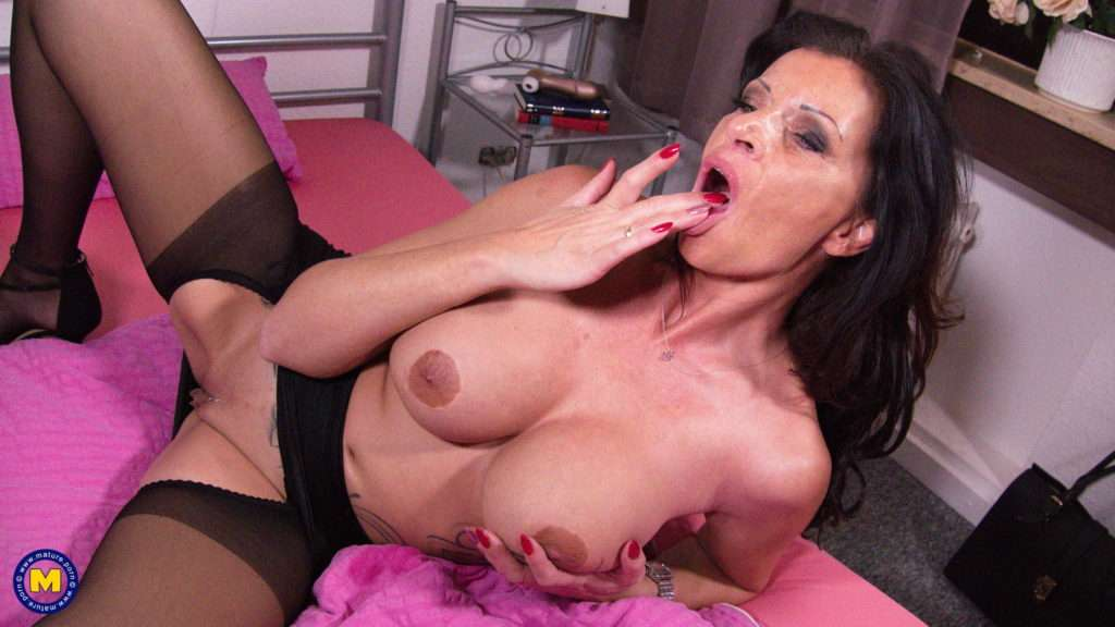 Naughty German Dacada Loves Playing With Her Pussy From Mature.nl