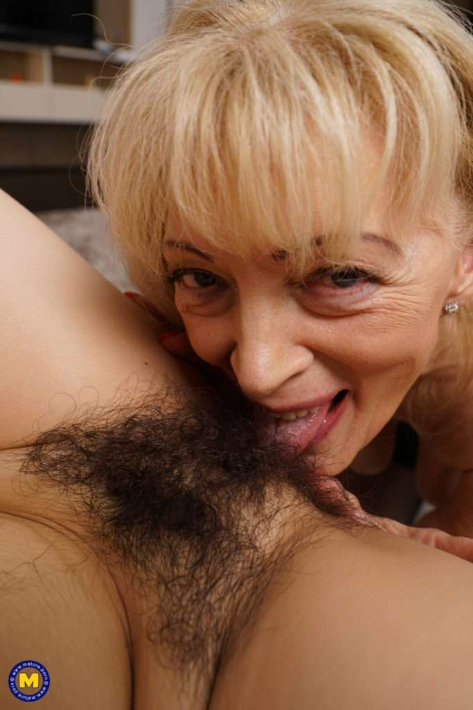 Horny Mature Lesbian Doing A Hairy Teeny Babe At Mature.nl