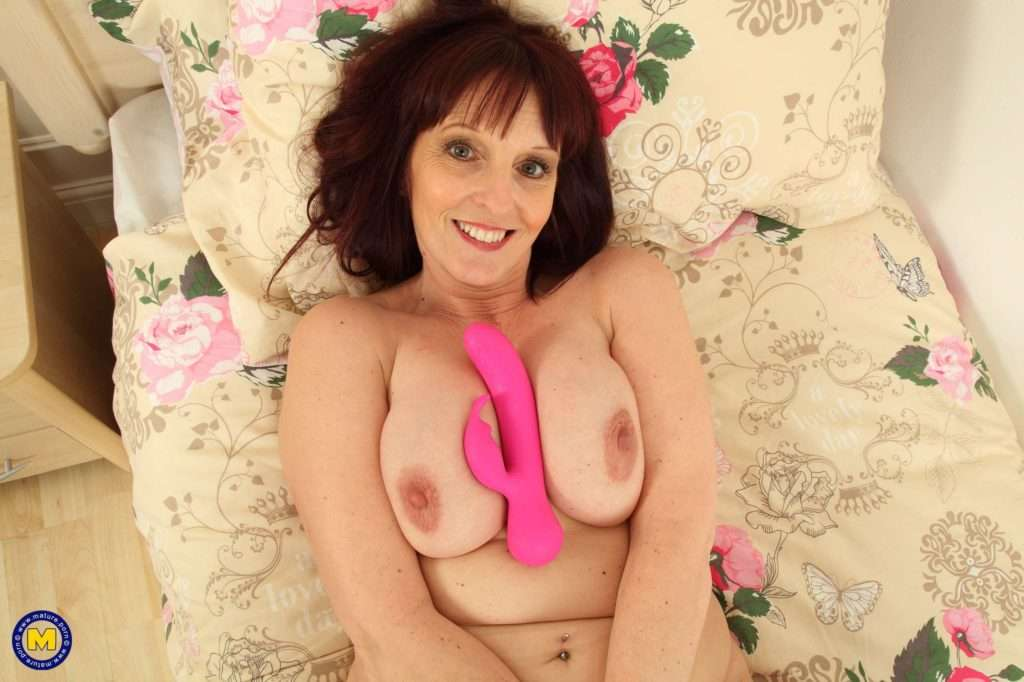 Naughty British Housewife Playing With Herself At Mature.nl