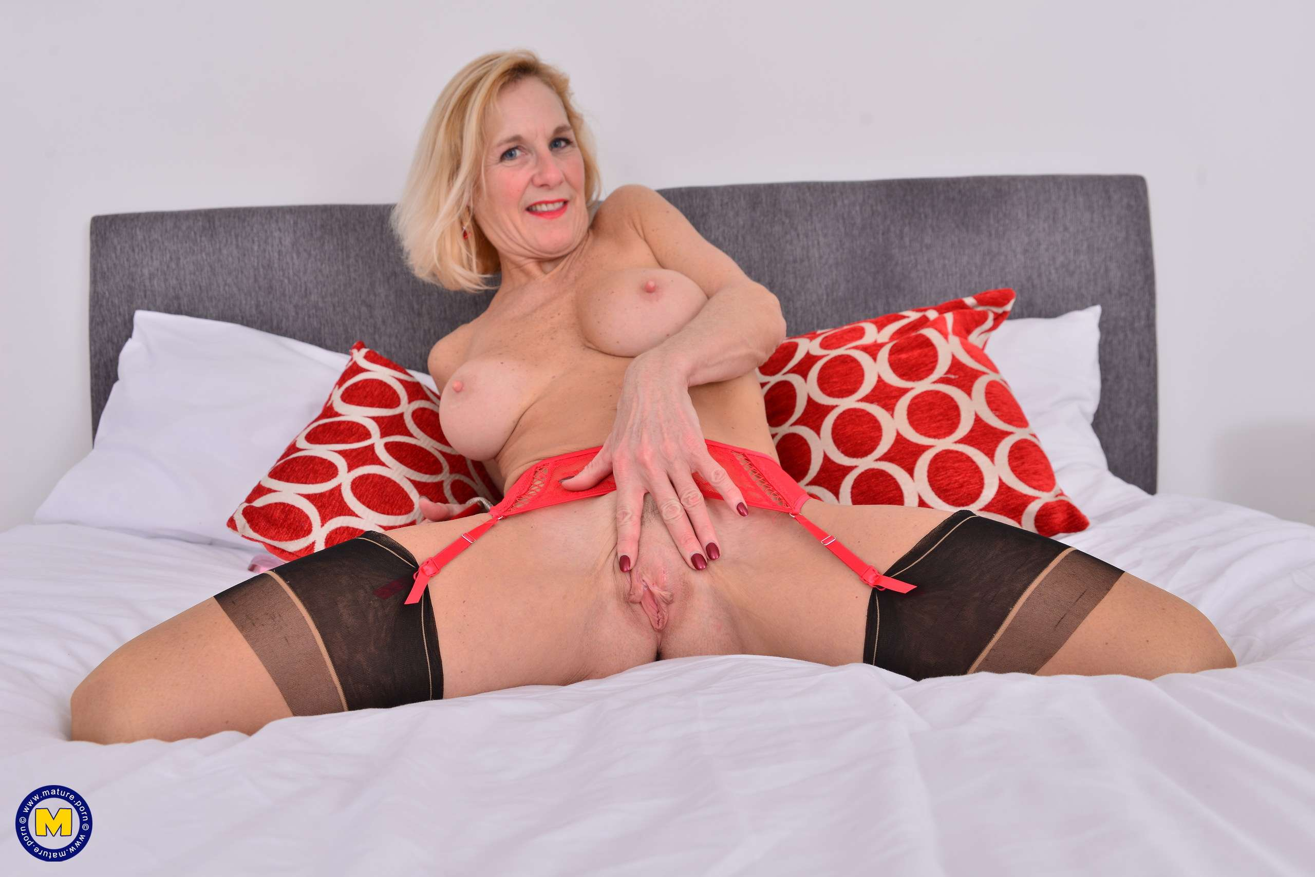 English mature housewife