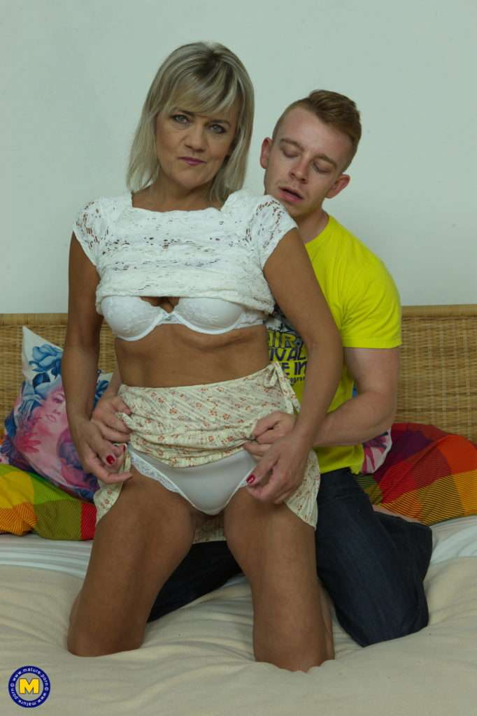 Horny Housewife Cherry Does Her Toyboy At Mature.nl
