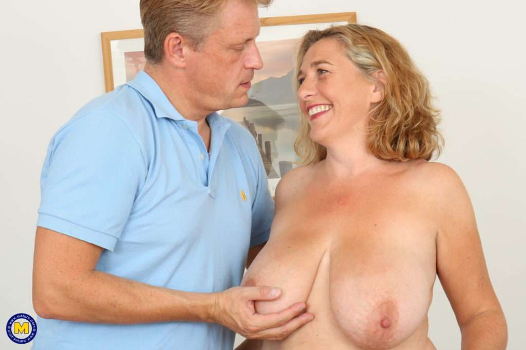 Big Breasted British Camilla Fooling Around With Her Lover At Mature.nl