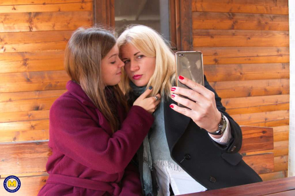 These Naughty Old And Young Lesbians Make The Most Of Their First Date At Mature.nl