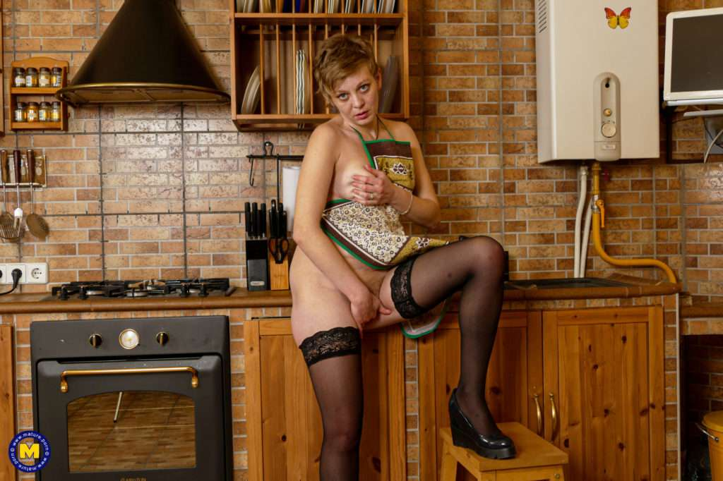 Naughty Housewife Nikolina Is Always Wet And Willing At Mature.nl