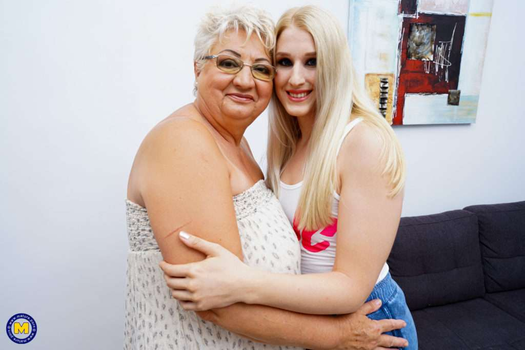 Naughty Bbw Granny Fooling Around With A Hot Lesbian Teen At Mature.nl