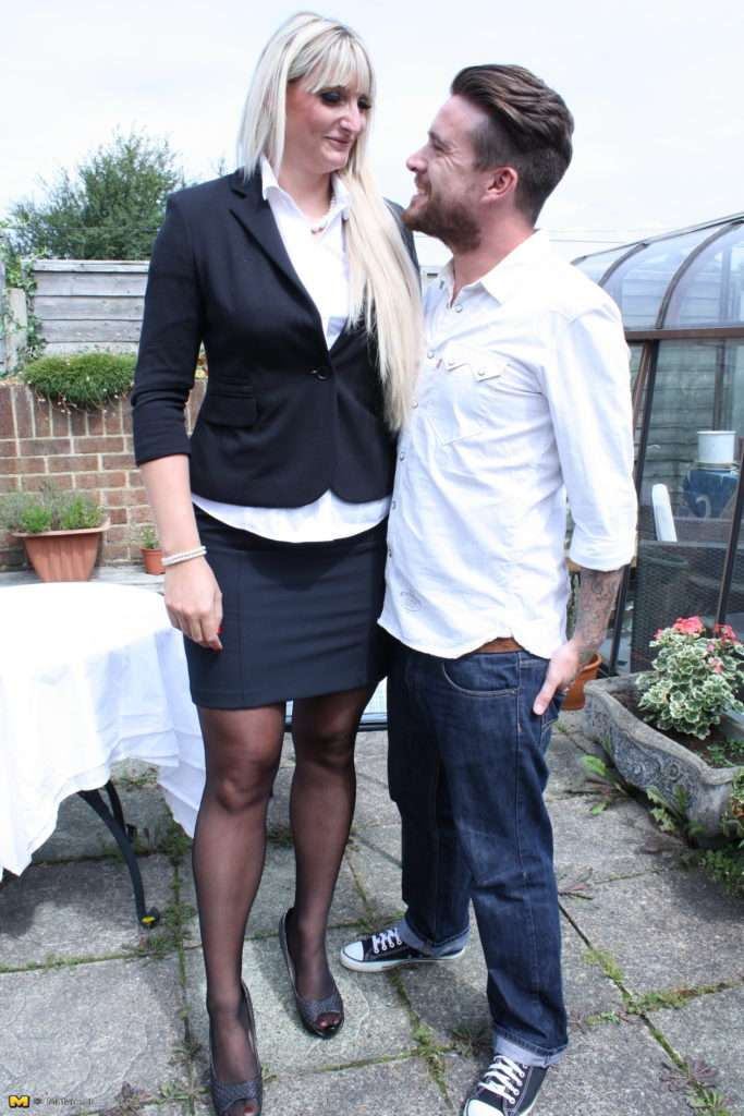 Tall British Housewife Having Fun With Her Younger Lover At Mature.nl