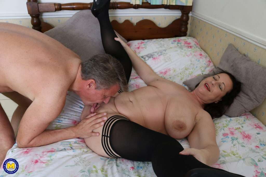 Naughty Curvy British Housewife Fucking Her Ass Off At Mature.nl