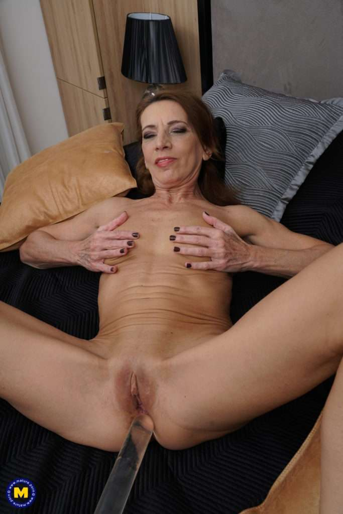 Naughty Housewife Getting Wet And Wild At Mature.nl