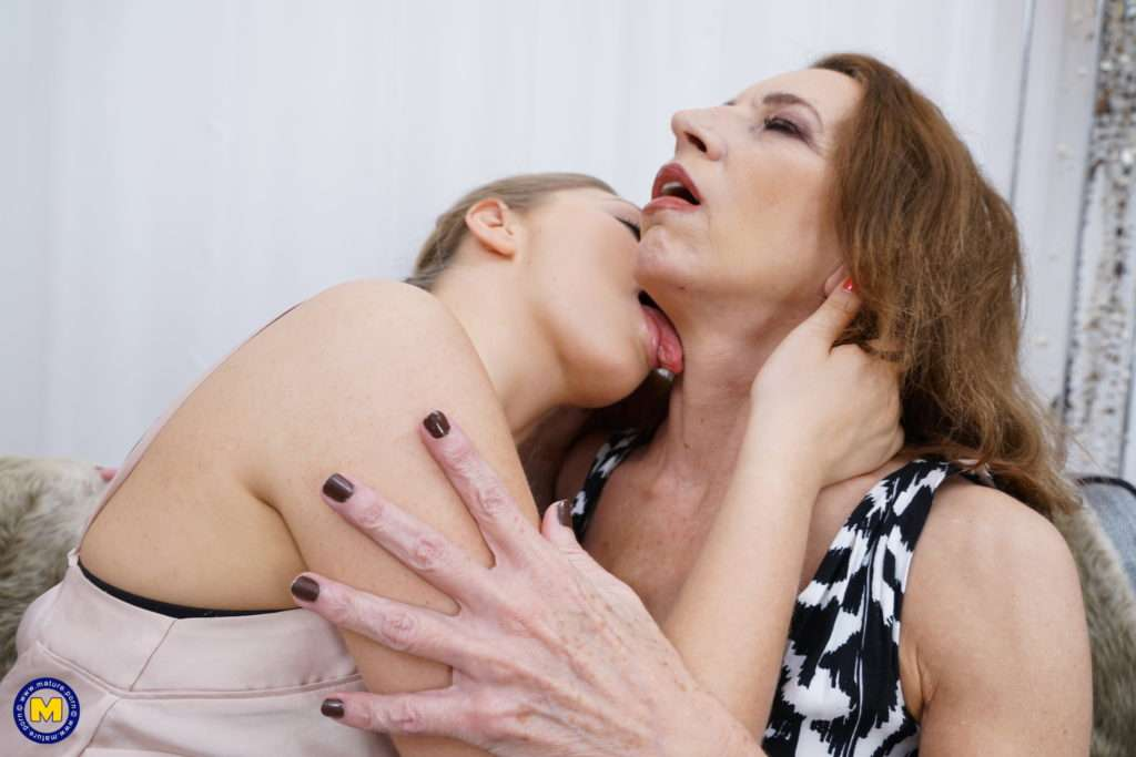 These Horny Old And Young Lesbians Go All The Way At Mature.nl