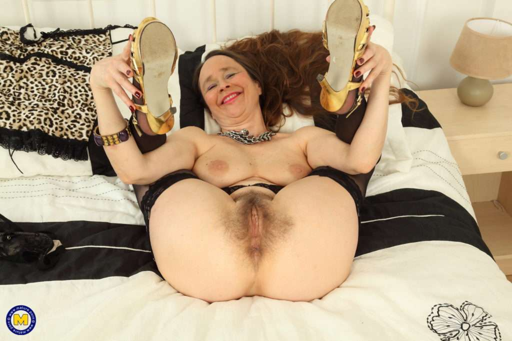 British Hairy Housewife Josie Gets Wet And Wild On Her Own At Mature.nl
