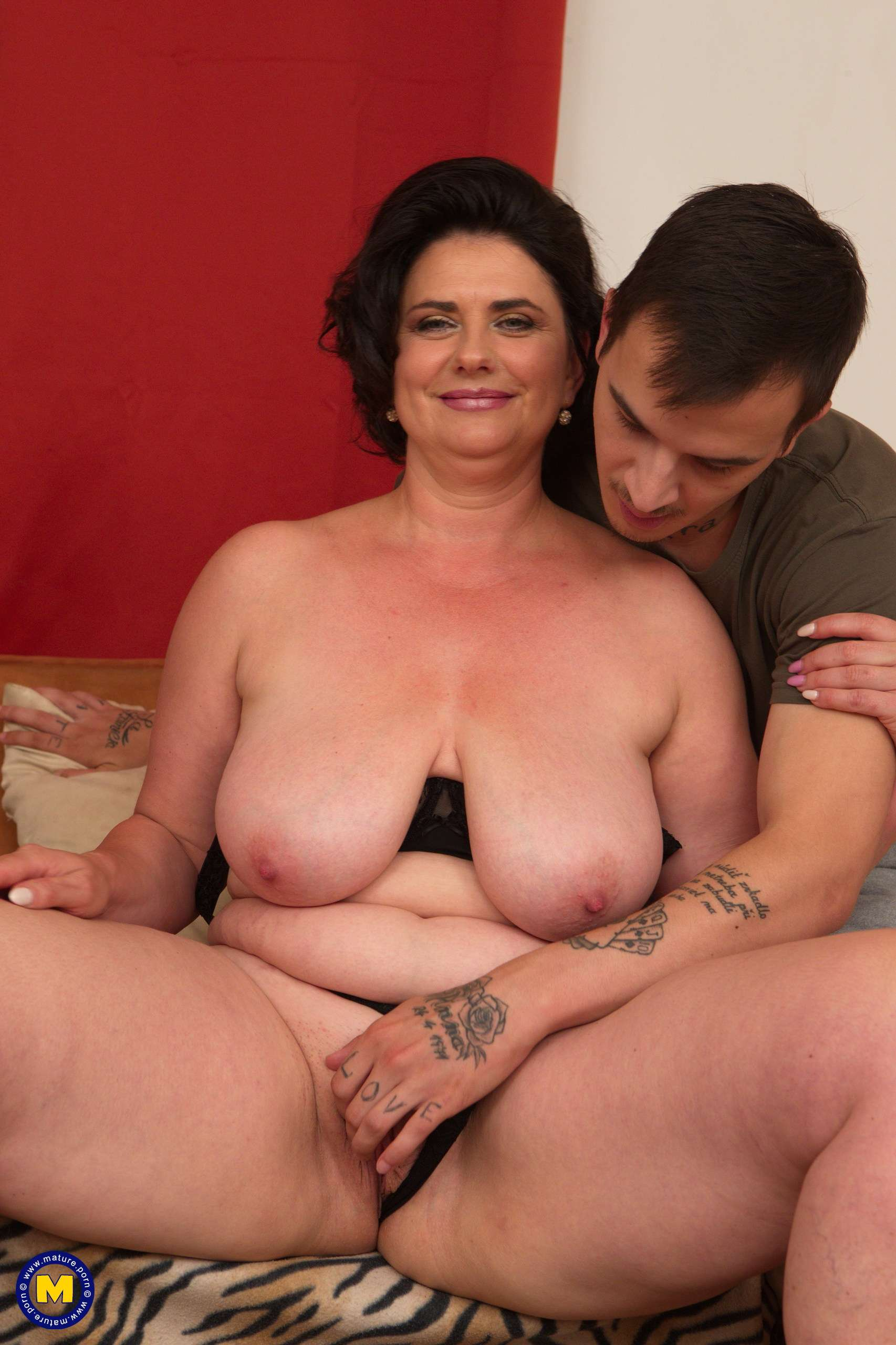 Bbw cougar porn pictures and chubby milf sex galleries