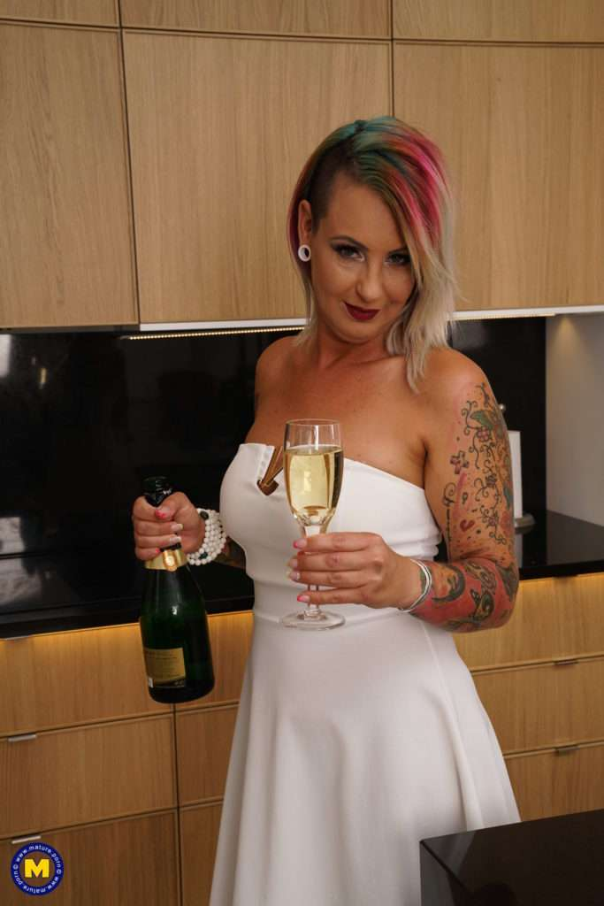 Kinky Tattooed Milf Playing In The Shower At Mature.nl