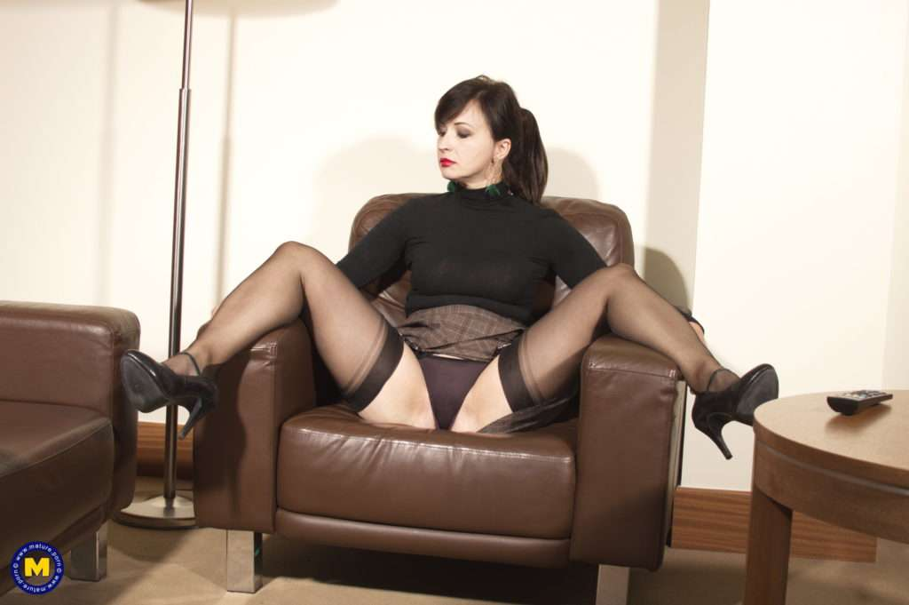 She Is One Naughty Milf That Loves To Play With Herself At Mature.nl