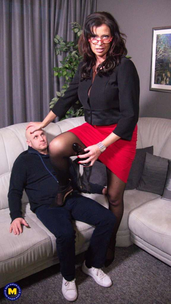 German Mistress Dacada Suffocates Her Man With Her Pussy And Fucks Him With A Strapon At Mature.nl