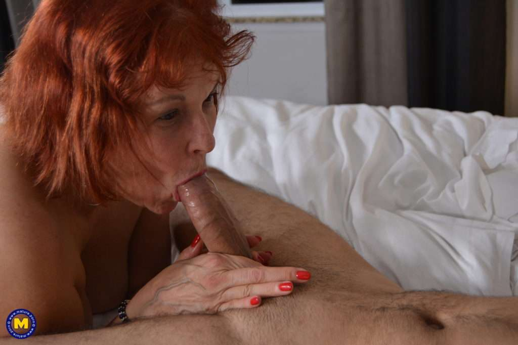 Naughty Mature Lady Fucking And Sucking A Younger Men At Mature.nl
