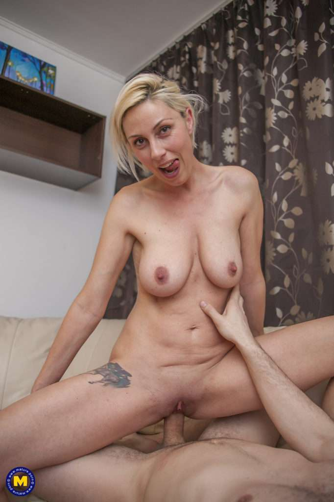 Hot Blonde Milf Fucking And Sucking Her Ass Off At Mature.nl