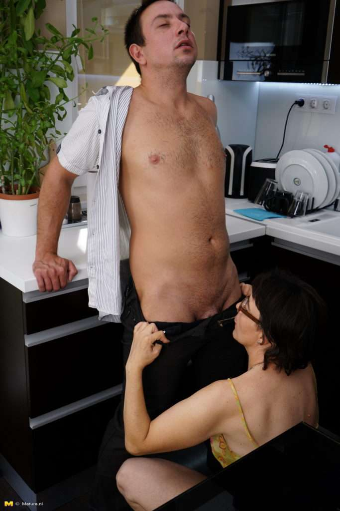 Naughty Mature Lady Doing Her Toy Boy At Mature.nl
