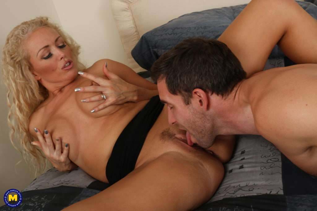 Hot Blonde Milf Rebecca Fooling Around With Her Lover At Mature.nl