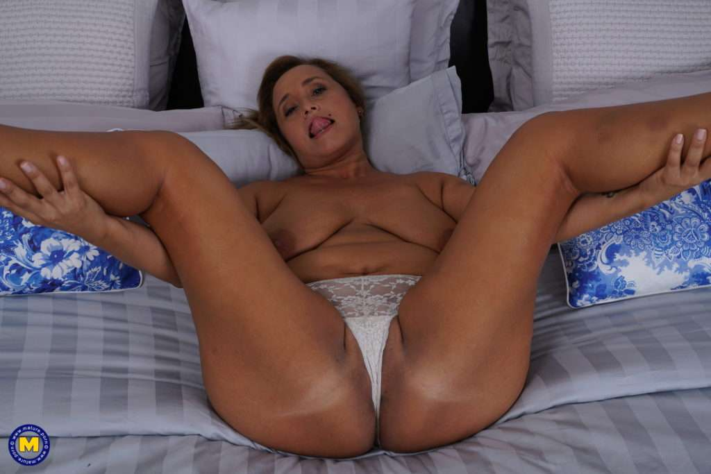 Spanish Housewife Conchita Loves Playing With Her Pussy At Mature.nl