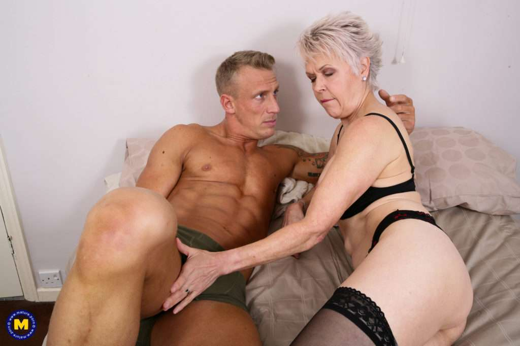 Naughty Mature Slut Doing Her Younger Lover At Mature.nl