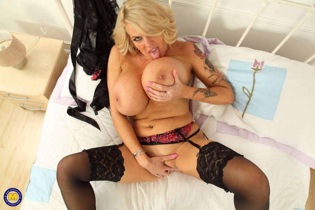 Huge Breasted Shannon Blue Loves Playing With Herself At Mature.nl