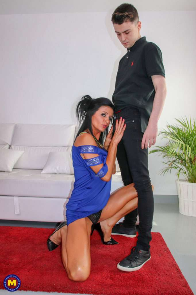 Hot Cougar Having Fun With Her Toy Boy At Mature.nl