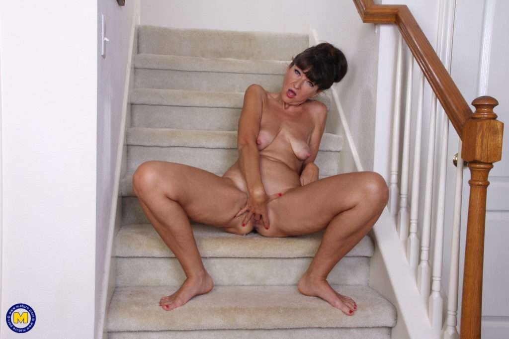 Naughty American Gina Masturbating On The Staircase At Mature.nl