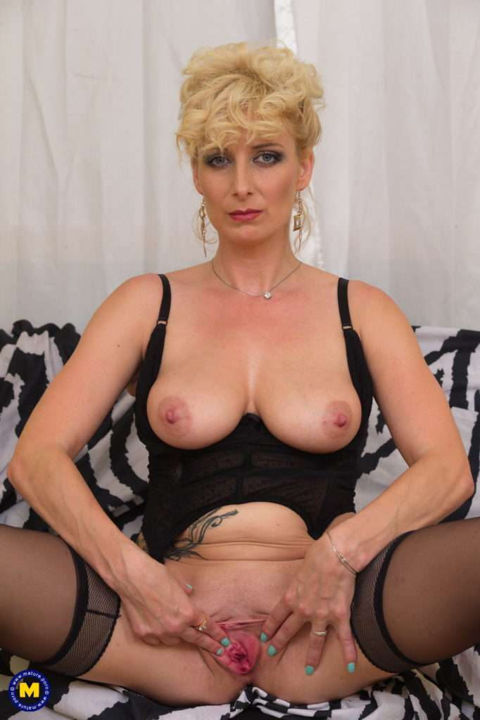 Steamy Temptress Playing With Her Moist Pussy At Mature.nl