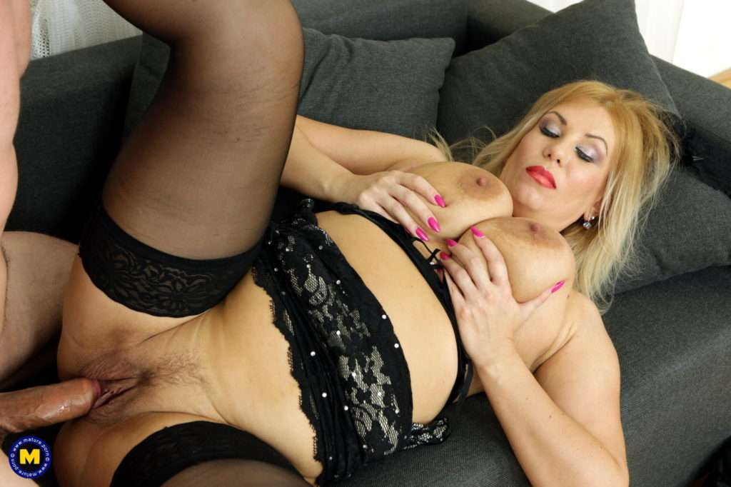 Milf Patricia Sweet Is Ready For A Hard Cock At Mature.nl