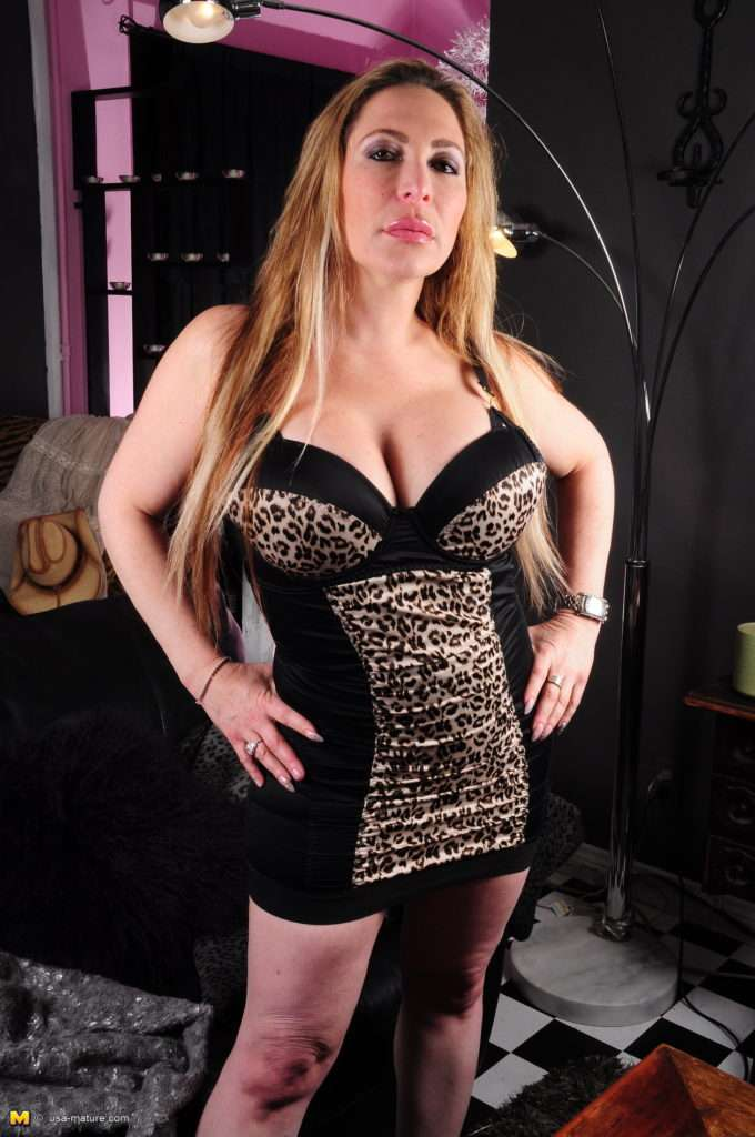This Big Breasted Milf Is Always In For Fun At Mature.nl