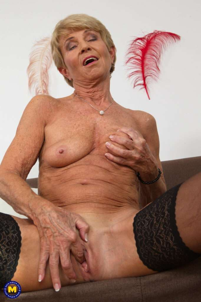 This Naughty Granny Loves To Masturbate When Shes Alone At Mature.nl