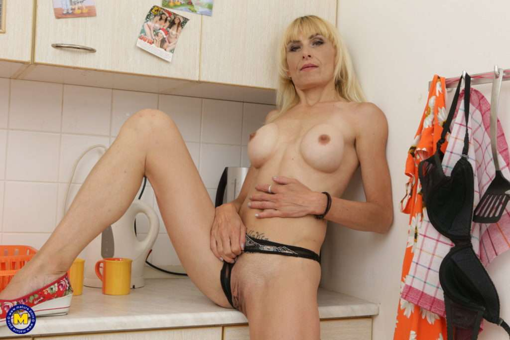 Naughty Housewife Playing In The Kitchen At Mature.nl