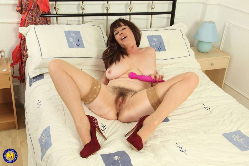 Hairy Housewife From The Uk Getting Frisky In Bed At Mature.nl