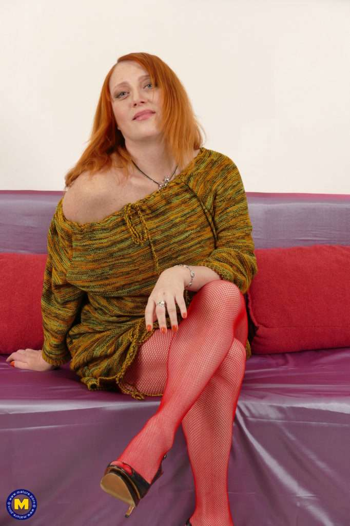 Naughty Red Housewife Viola Playing With Herself At Mature.nl