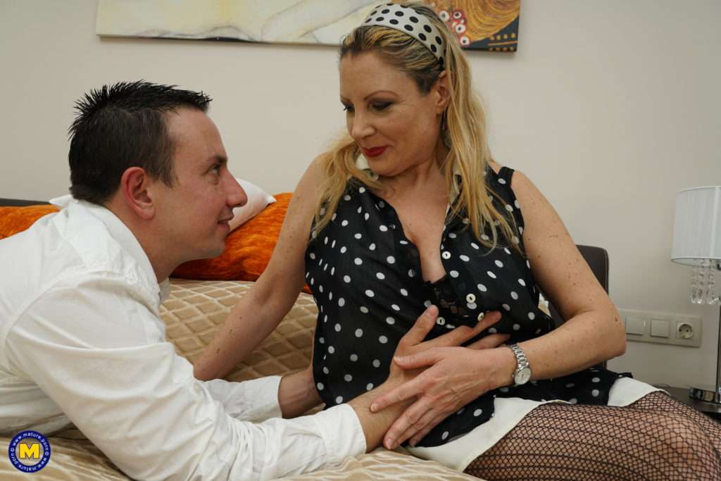 Naughty Housewife Fooling Around With Her Younger Lover At Mature.nl