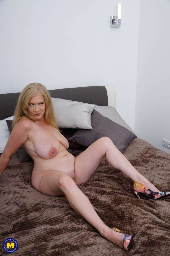 British Lily May Loves Fooling Around With Her Lover At Mature.nl