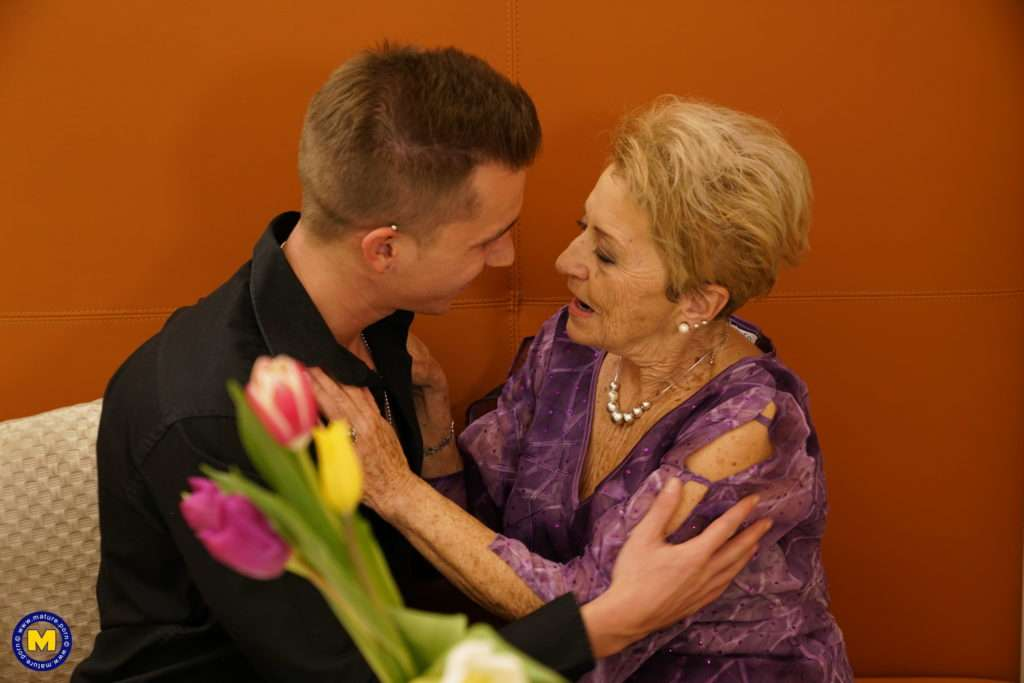 Granny Gets A Visit From Her Toy Boy At Mature.nl
