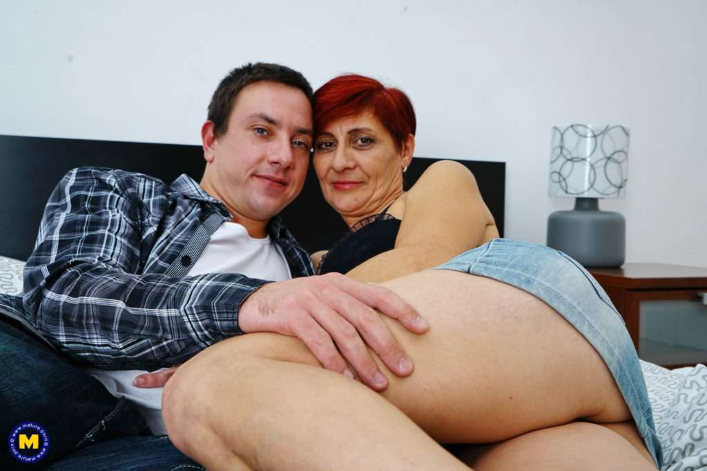 Naughty Housewife Getting Fucked By Her Younger Lover At Mature.nl