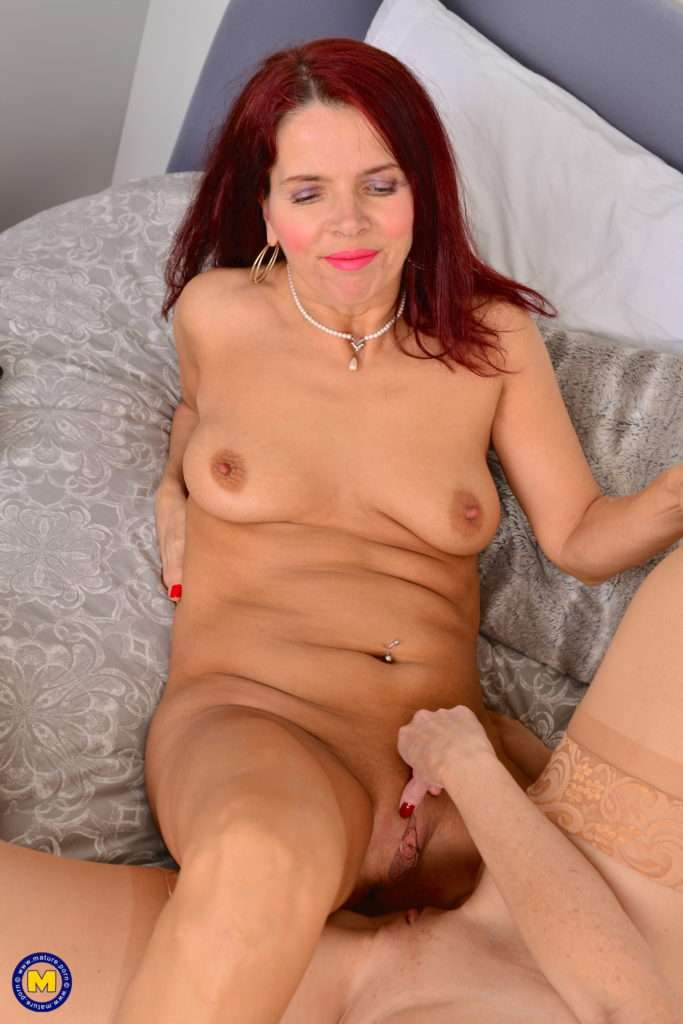 These Mature Lesbians Go All The Way At Mature.nl