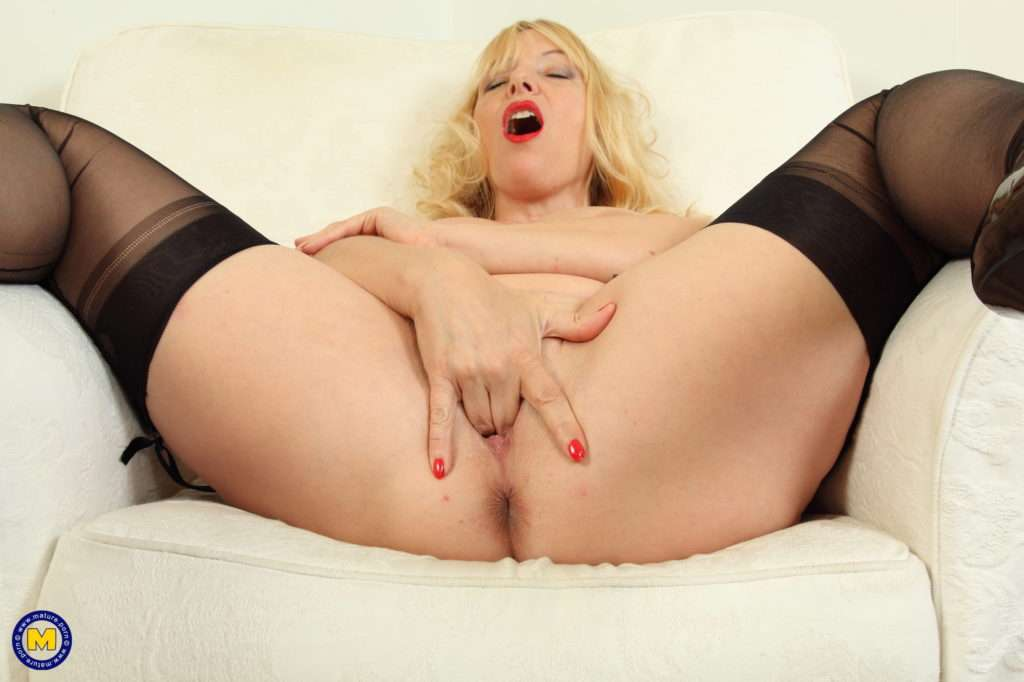 Big Breasted British Housewife Playing With Herself At Mature.nl