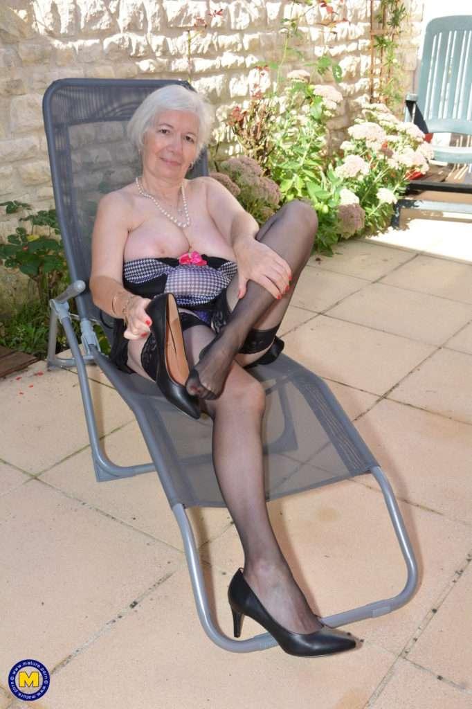British Granny Masturbating In Her Garden