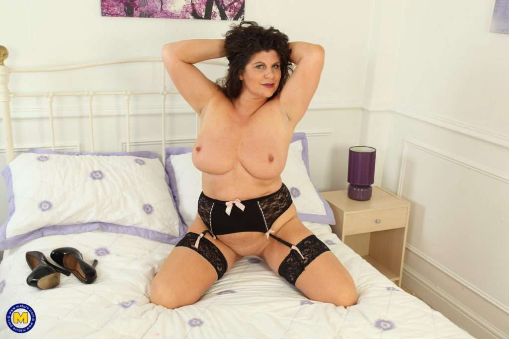 Big Breasted British Gilly Loves Playing In Bed