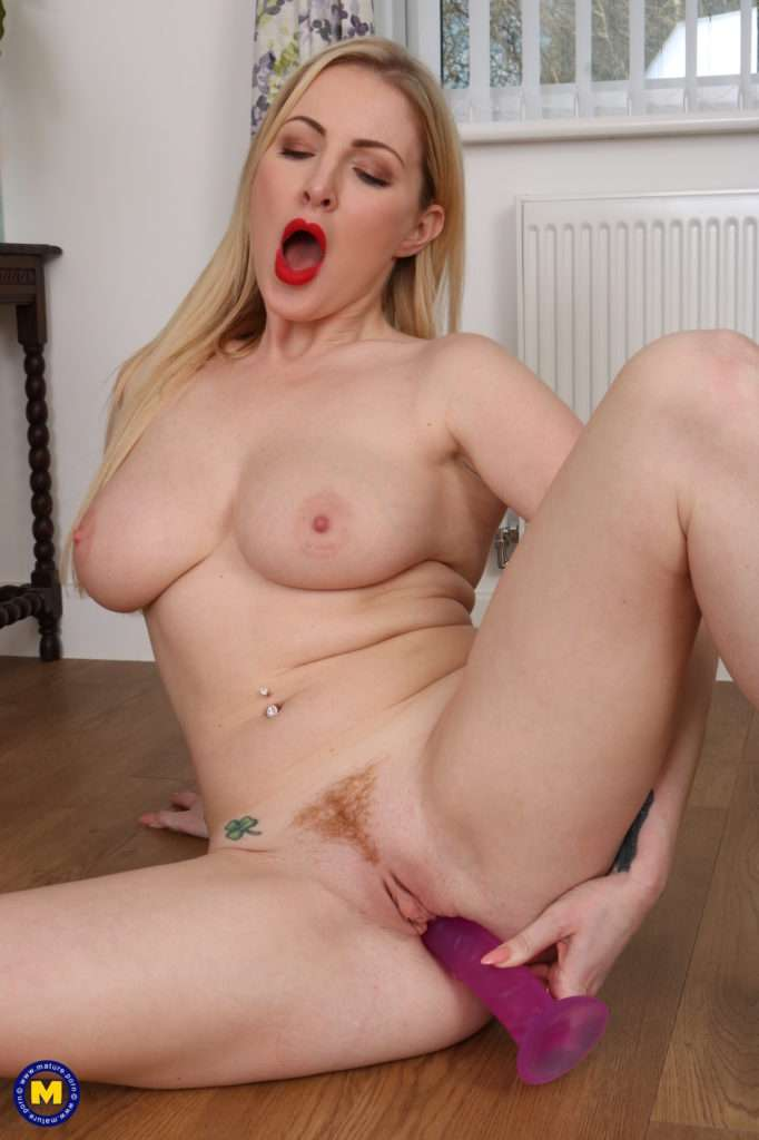 Hot Steamy Blonde Milf Playing With Her Perfect Pussy
