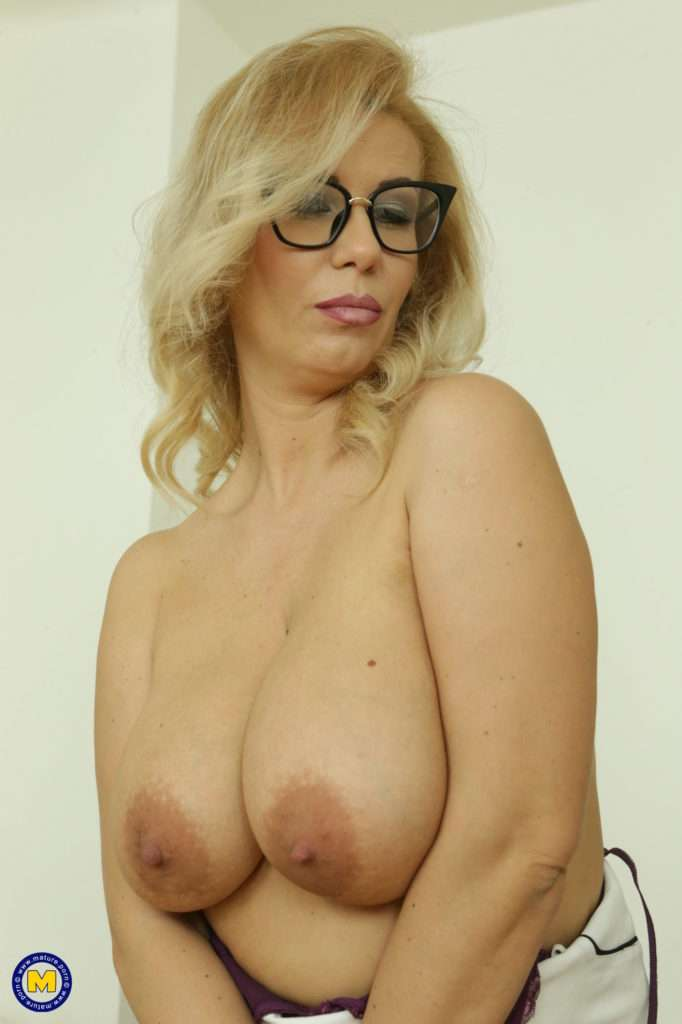 Hot Big Breasted Milf Playing With Herself