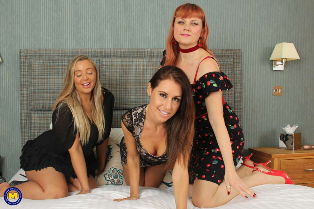 Three Naughty Moms Share A Hotelroom And Their Pussies