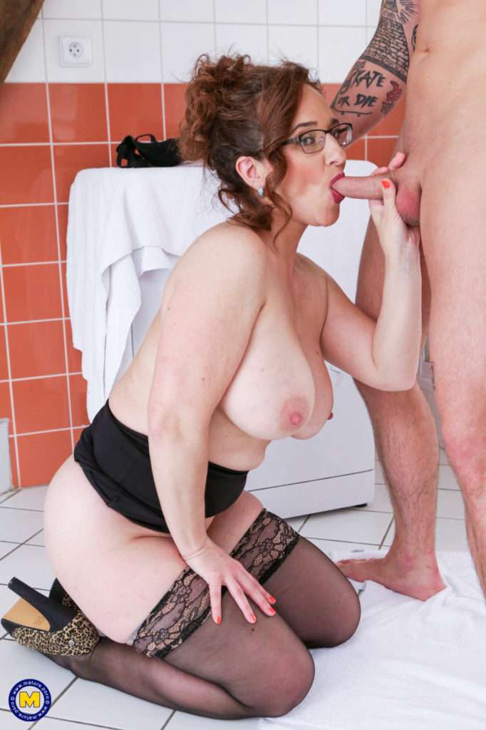 Big Breasted Mature Lady Catching A Toy Boy In Her Shower