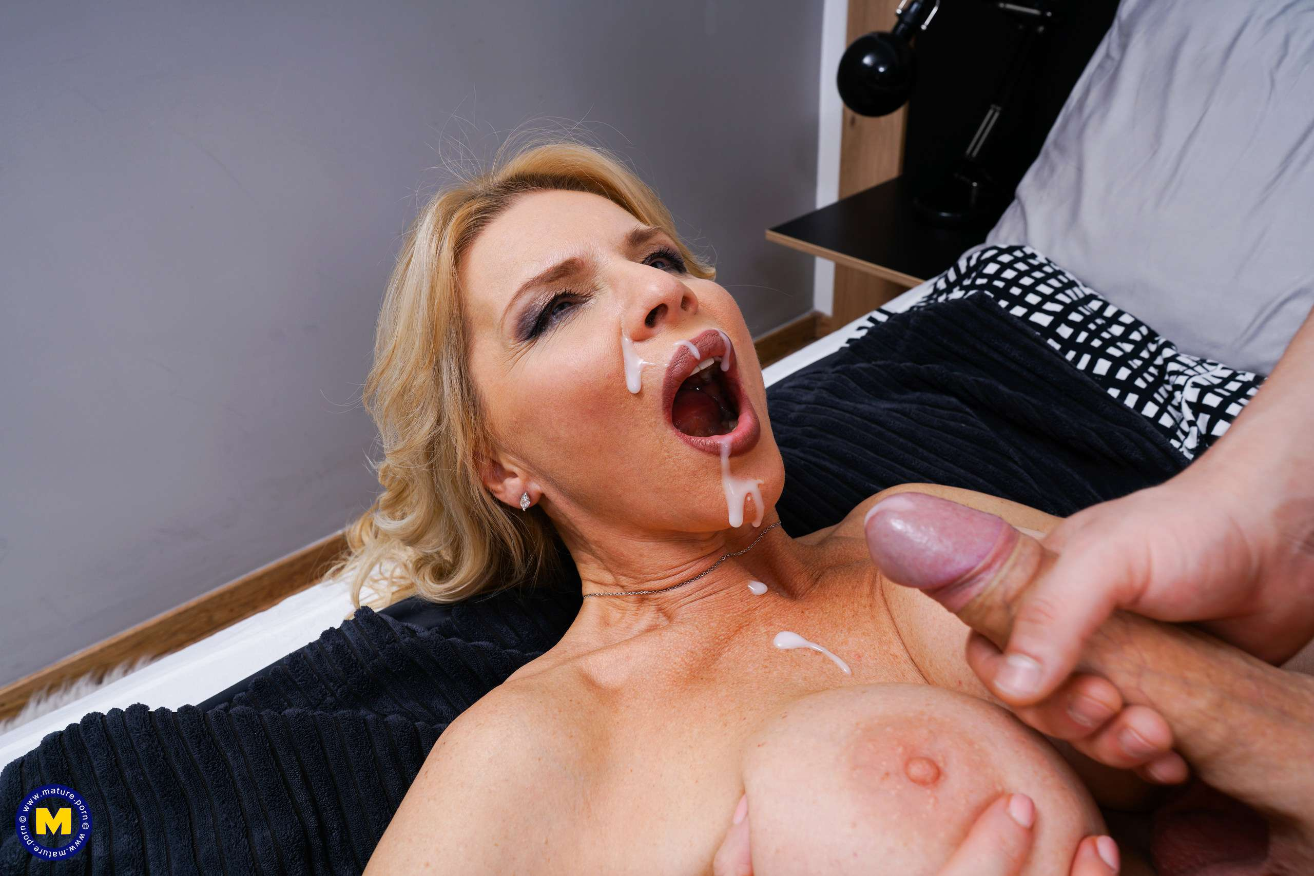 Naughty hot steamy MILF getting mouthfucked by her toy boy